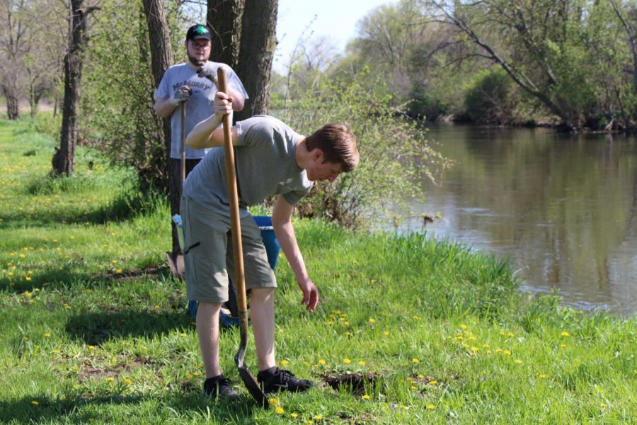 Senior Frank Ruane lends a helping hand to clean up the environment