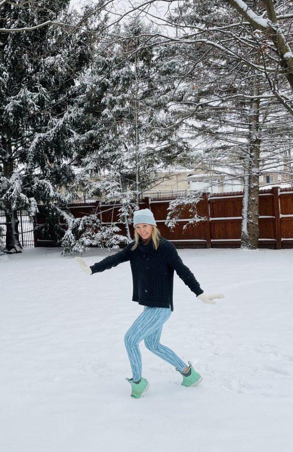 Dance+teacher+Bridget+Taylor+demonstrates+dancing+in+the+snow.